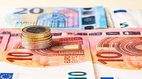 美元/离岸人民币汇率持续升值4月有余,央行为何按兵不动?